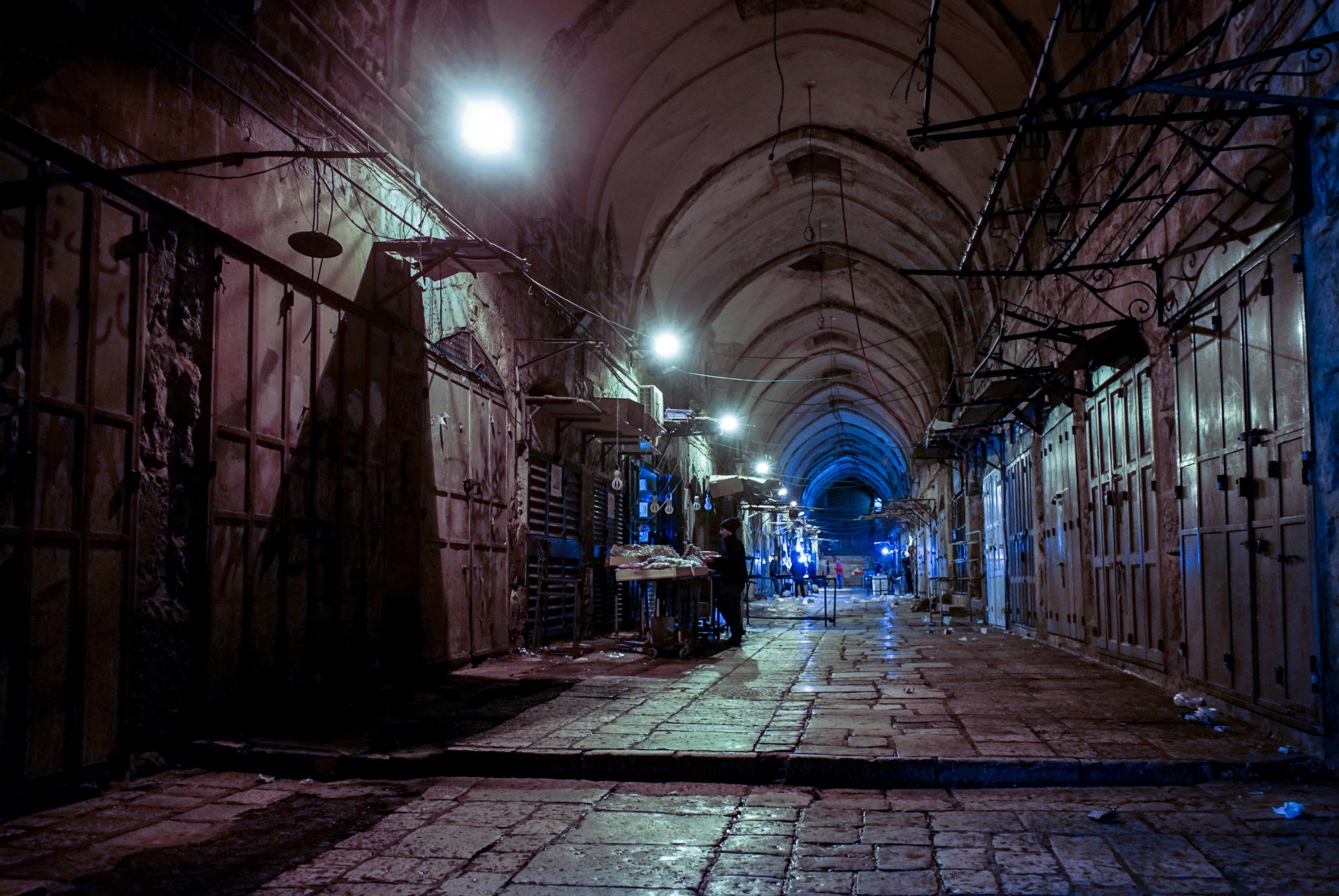 La città vecchia dopo le nove