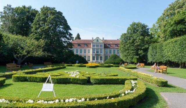 Il palazzo degli abati, Pałac Opatów