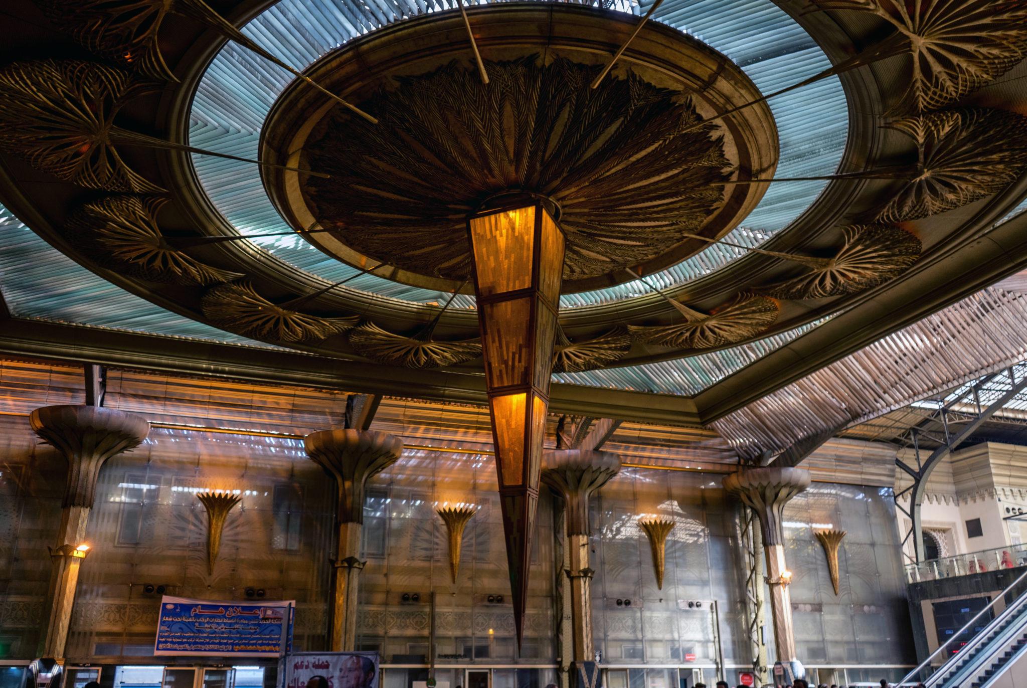 L'interno della Stazione Ferroviaria Ramses del Cairo