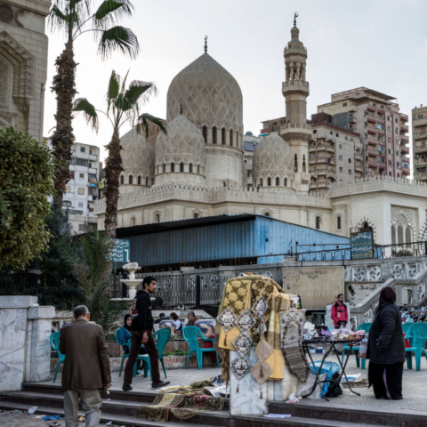 La Moschea Abu al-Abbas al-Mursi, edificata nel 706 e rinnovata nel 1775. Situata in una zona abbastanza degradata, svetta circondata da palazzoni e case popolari.