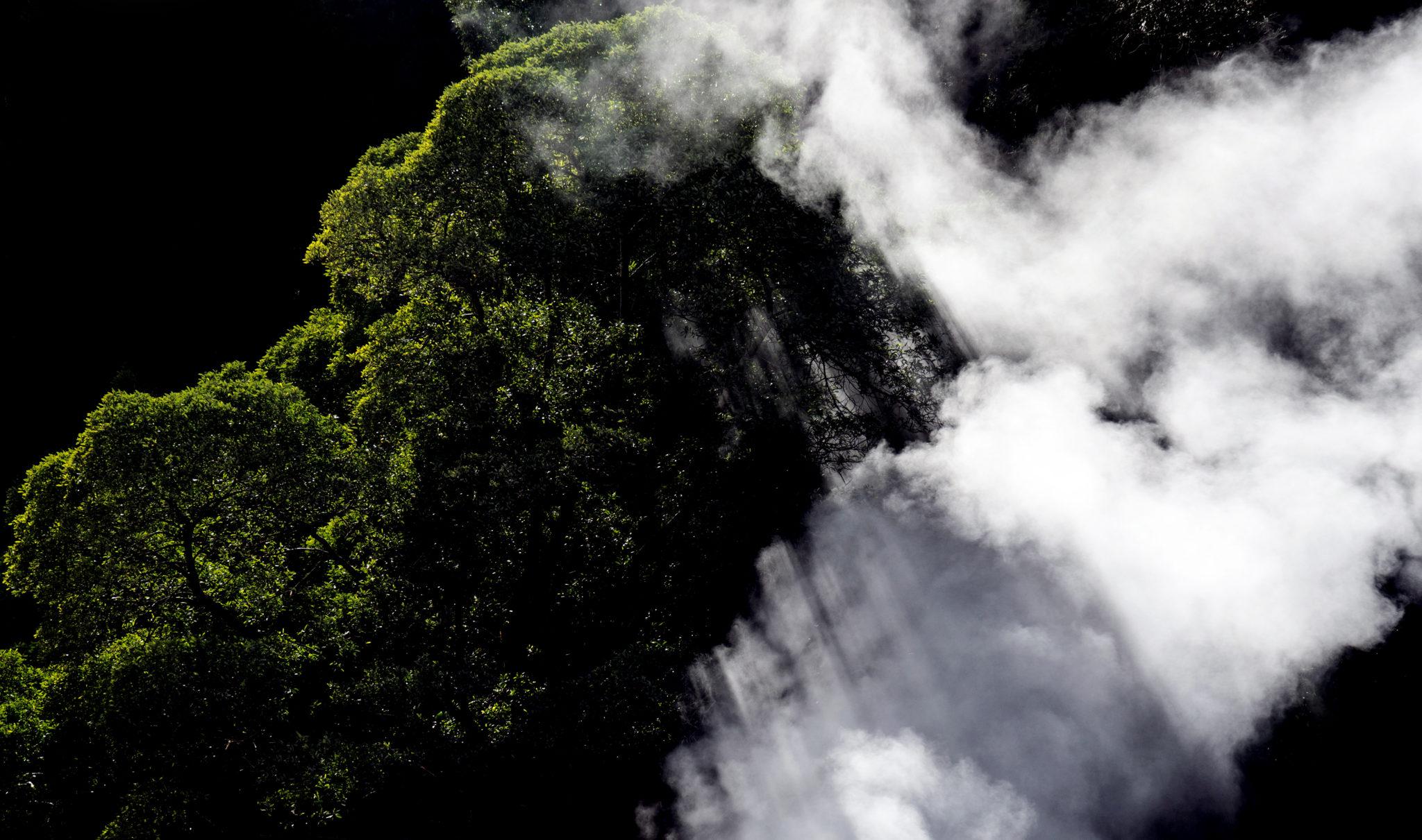 Fumarolas da Lagoa das Furnas, ombre e fumo