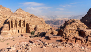 Il monastero con annesso panorama